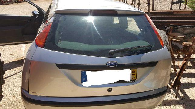 Acidentado Ford Focus 1.8 tdci