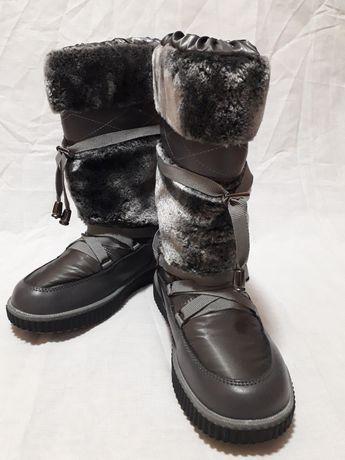 Зимние теплые сапоги / дутики fashion состояние новых р-р 35