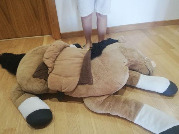 Cavalinho de peluche