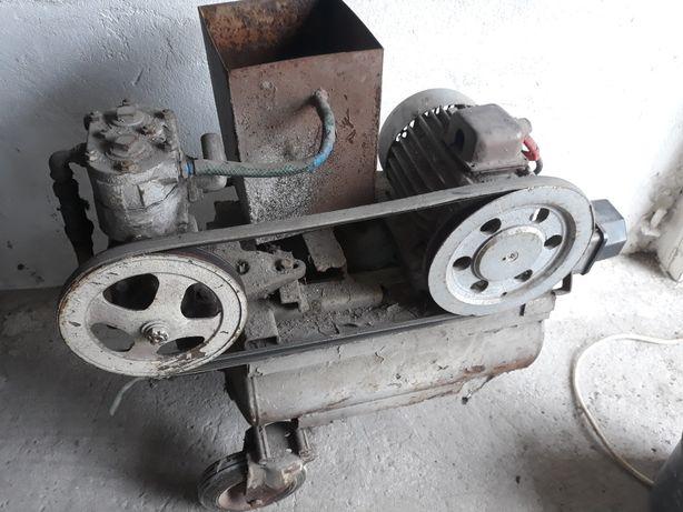 Kompresor dwu tlokowyok 50l z chlodnica 2tloki sprawny 0.8 kW