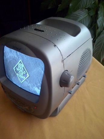 mini televisão com radio am fm