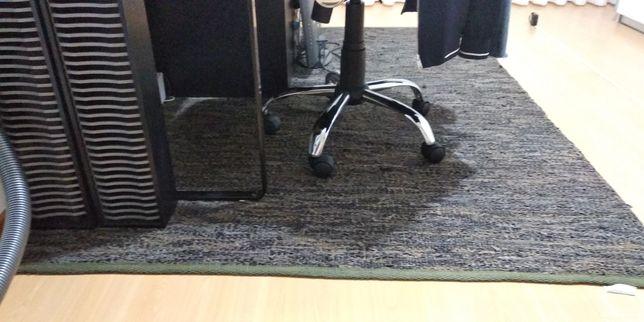 Carpete castanha Marca Habitat