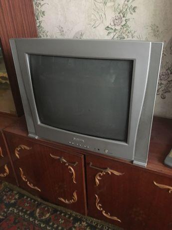 Продам цветной телевизор Сатурн ST2139А.