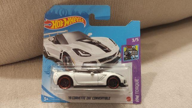 Hot Wheels Corvette ZR1 convertible '19 biała