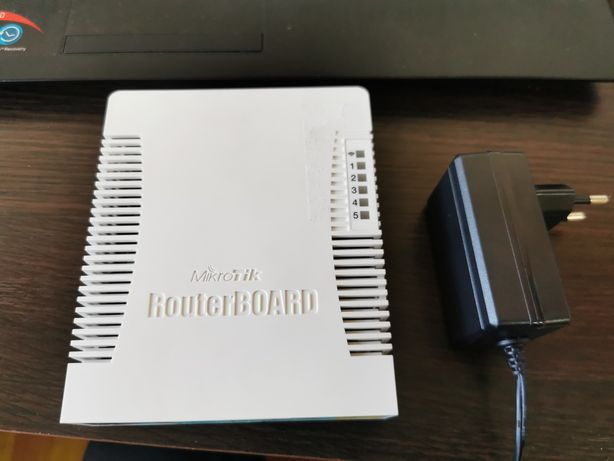Роутер маршрутизатор Mikrotik RB951Ui-2HnD