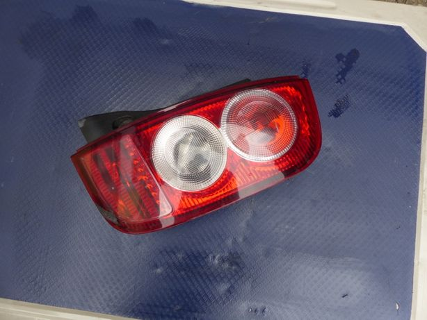 lampa tył tylna Nissan Micra k12 prawa kompletna