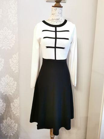 Sukienka czarno-biała dzianina unikat r. M/L