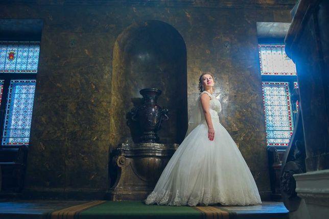 Ідеальна весільна  сукня