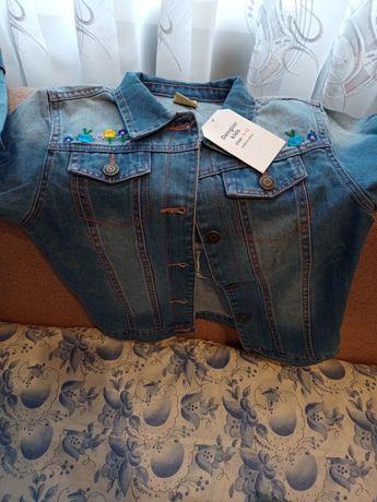 Курточка джинсовая, пиджачок для девочки