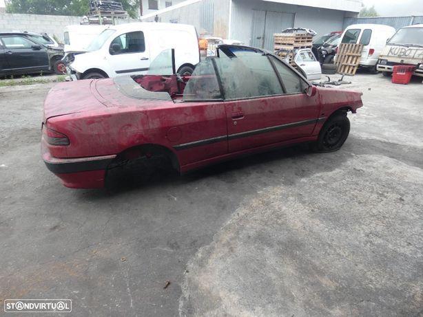 Peugeot 306 de 1998 descapotavel para peças