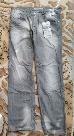 Продам летние джинсы мужские новые