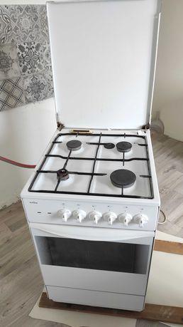 Kuchenka gazowa Amica z piekarnikiem elektrycznym