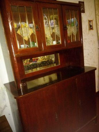 Продам деревяный буфет советских времен 1950 годов