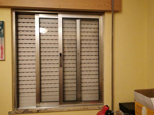Janelas e porta de alumínio ao natural com vidro usadas
