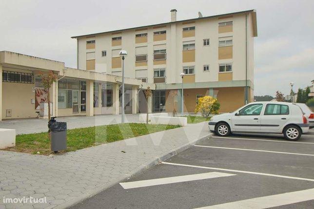 Apartamento T3, com 2 casas de banho e arrumo no sótão, Azurva, Aveiro