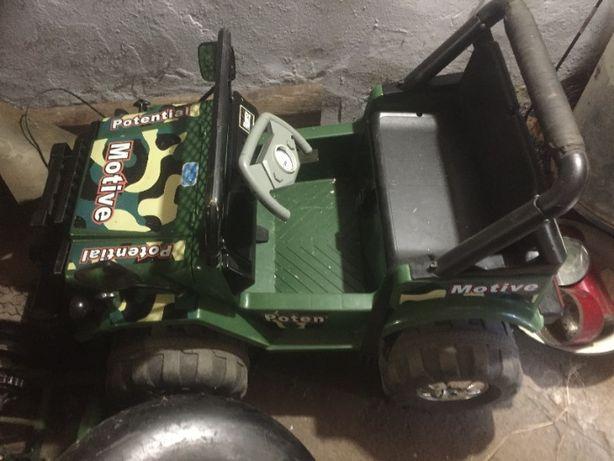 Детский электромобиль 2 двигателя рабочий
