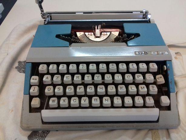 Máquina de escrever francesa