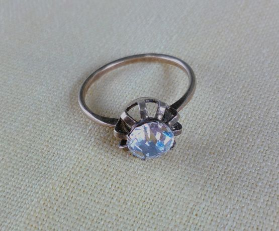 Старое винтажное серебряное кольцо 875 п. Времен СССР с нат. камнем