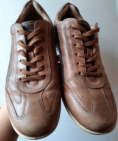 Продам кожаные кроссовки Экко р.43,5