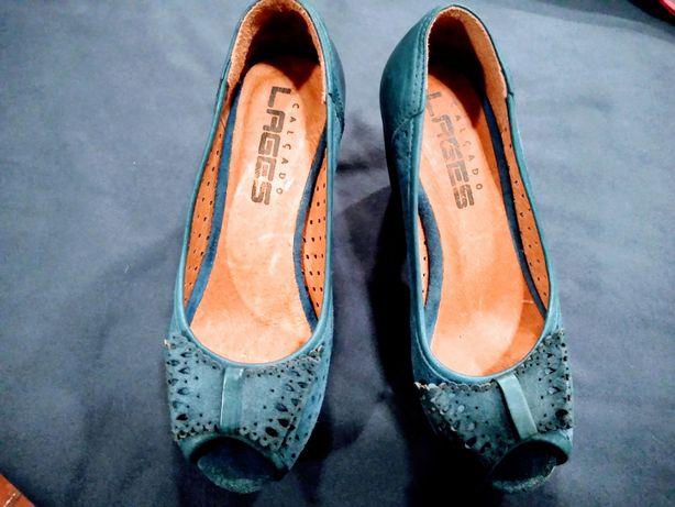 Sapatos em pele muito confortáveis