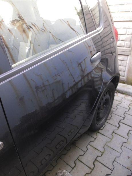 Drzwi tył lewe Mitsubishi Colt