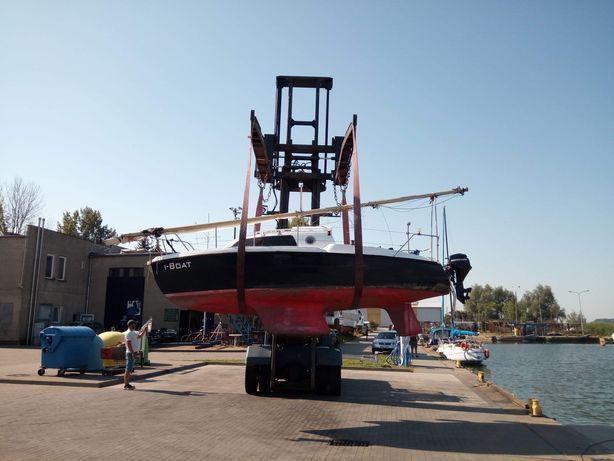 Jacht żaglowy motorówka łódź