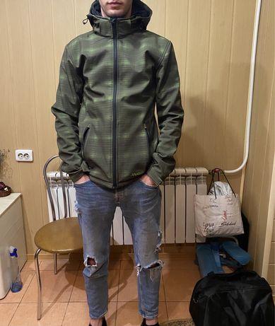 Продам круту куртку вітровку Plaman