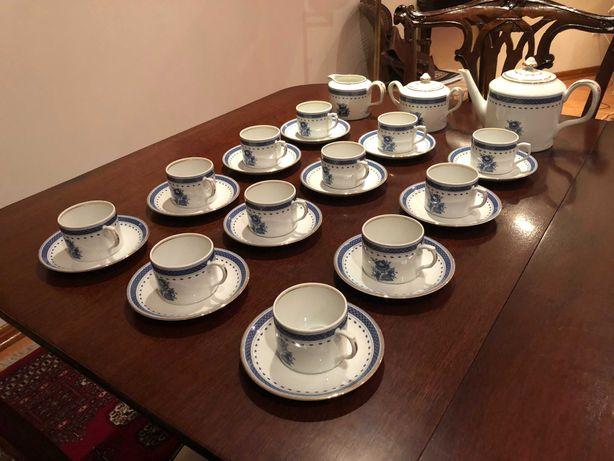"""Serviço de chá em porcela vista alegre """" cozinha velha """""""