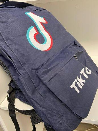 Рюкзак городской вместительный TikTok R272 Черный, синий,серый
