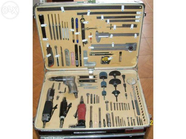 Caixa de ferramentas completa para aeronautica