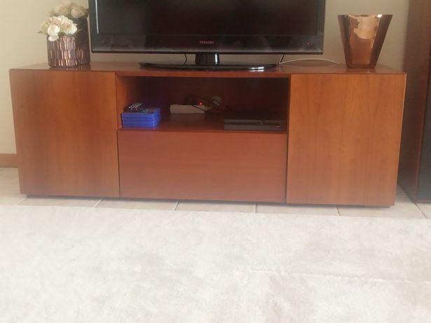 Móvel de TV pouco usado