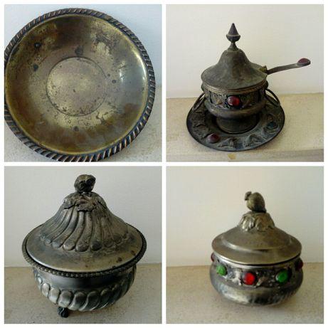 Taça e terrinas antigas em metal
