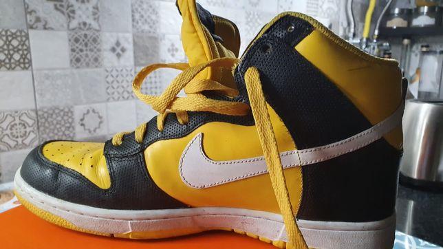 Ténis Nike preto/amarelo