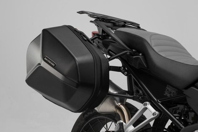 Uniwersalny kompletny zestaw plastikowych kufrów bocznych AERO ABS