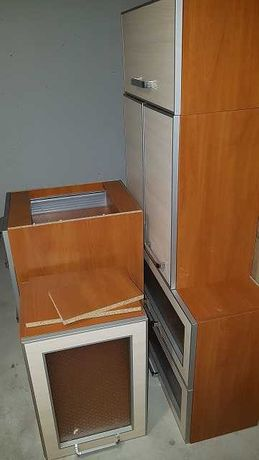 meble kuchenne z płytą i piekarnikiem (uszkodzona dolna grzałka)