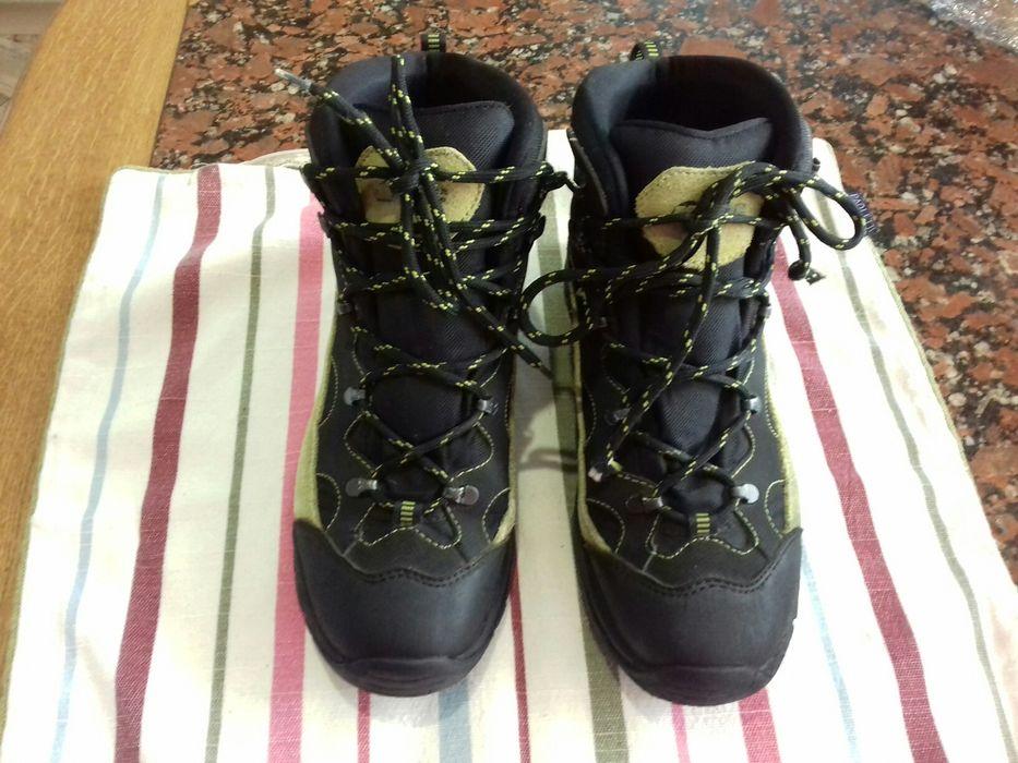 Продам демисизонные фирменные   ботинки на подростка р 39 Донецк - изображение 1
