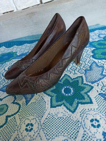 Шкіряні туфлі- лодочки
