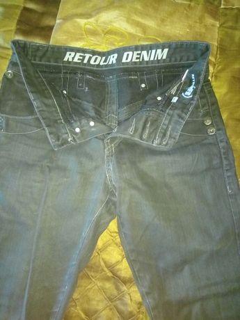 Продам черные джинсы р. 31