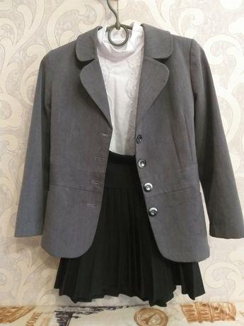Школьная форма для девочки: пиджак, юбка