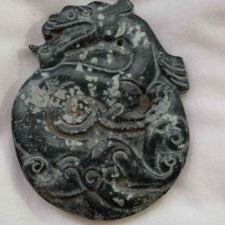 Pendente Amuleto em Jadeite Dragão Simbologia Chinesa