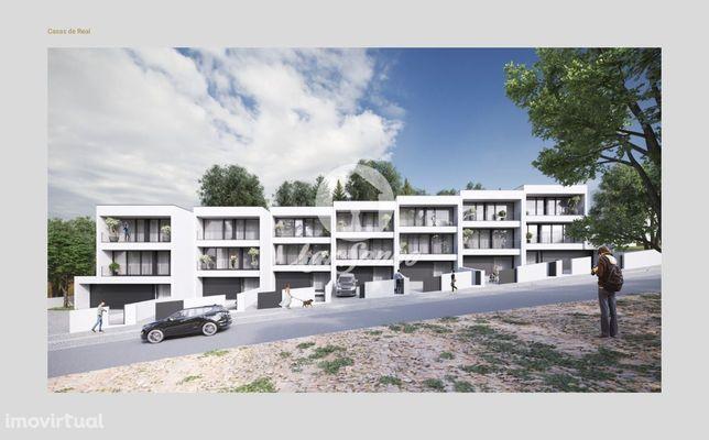 M3 em Gaveto em construção, garagem para 5 carros - Antas, V.N.Fama...