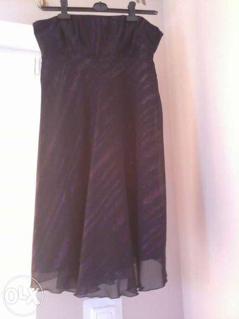 Niepowtarzalna sukienka w fioletowe smugi