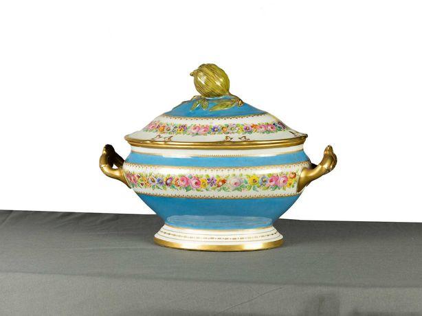 Terrina de porcelana Sèvres azul Palácio das Tulherias - século XIX