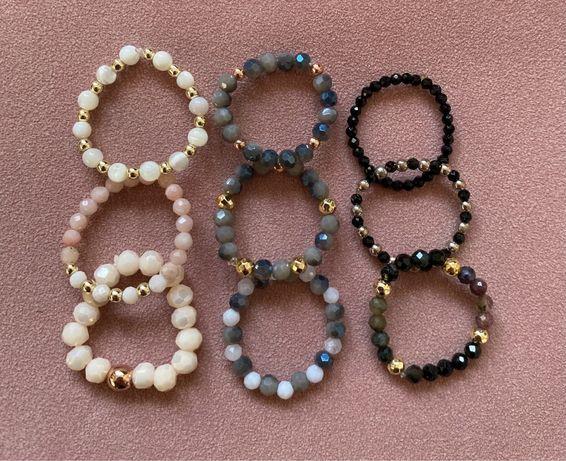 Elastyczne pierscionki kamienie, kryształki, bransoletki