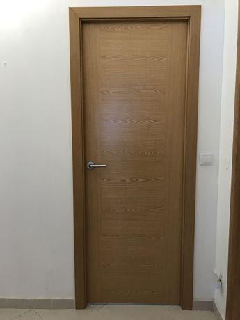 Boloco de porta interior, pouco uso.