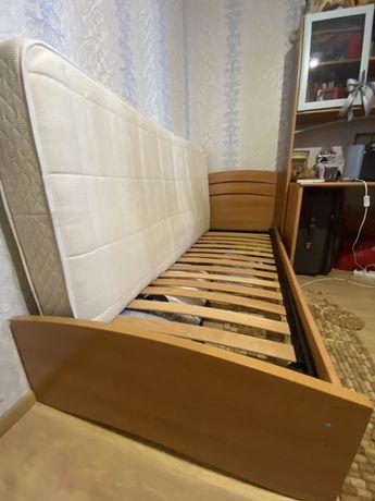 Односпальная (детская) кровать б/у