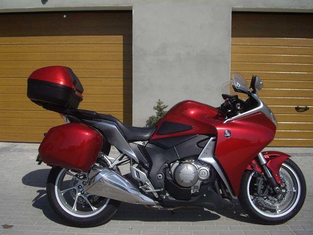 Honda VFR 1200 F. Super zadbana. Stan idealny.
