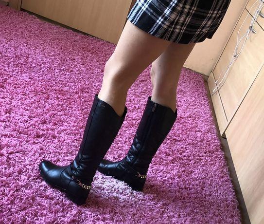 Демисезонные женские сапоги кожаные черные