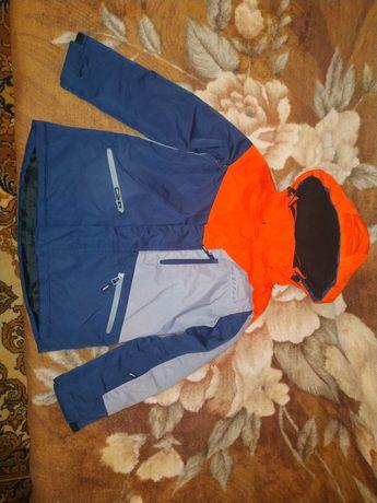 Зимняя горнолыжная куртка для мальчика