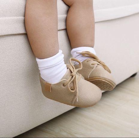 Тапочкі, черевички, мокасини, туфельки